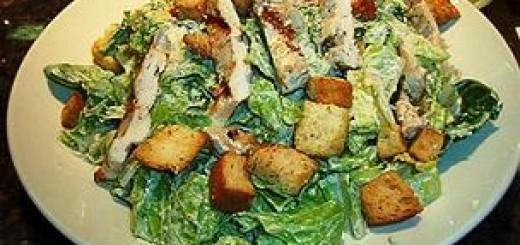 salade et sauce Caesar